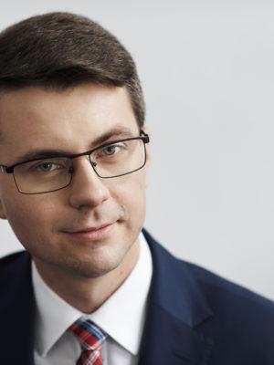 Zdjęcie portretowe posła Piotra Müllera.