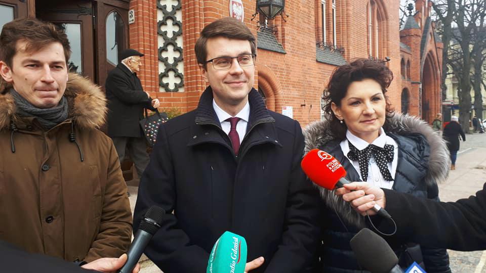 Poseł Müller o niespełnionych obietnicach wyborczych R. Biedronia