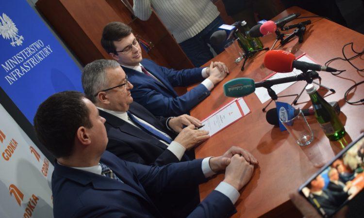 Konferencja Ministra Infrastruktury Andrzeja Adamczyka i Posła Piotra Müllera, dotycząca budowy drogi ekspresowej S6.