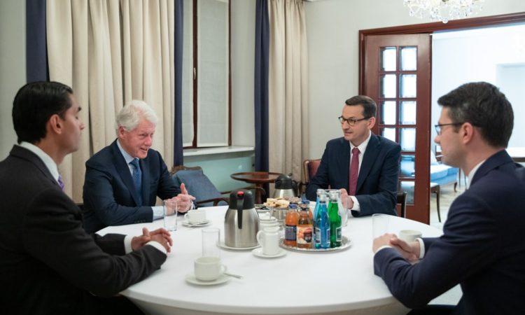 W czwartek Polskę odwiedził Bill Clinton - 42. Prezydent Stanów Zjednoczonych, który został przyjęty przez Premiera Mateusza Morawieckiego