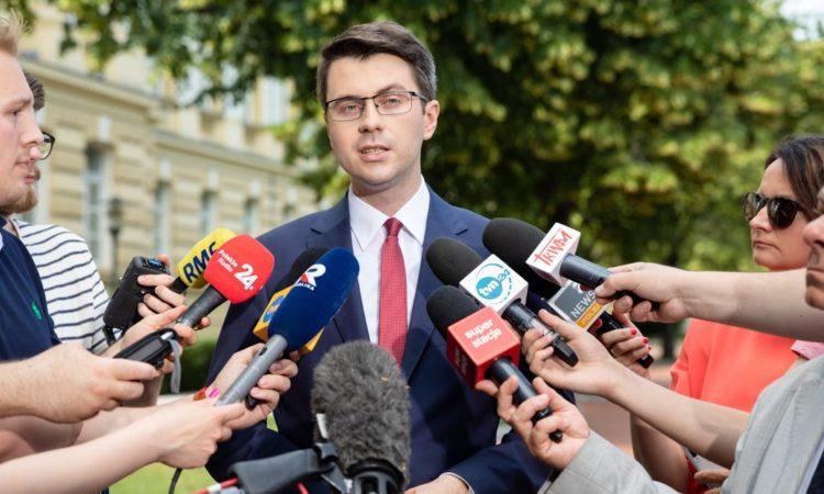 Premier Mateusz Morawiecki we wtorek spotkał się w Kancelarii Premiera z Prezydent Gdańska Aleksandrą Dulkiewicz