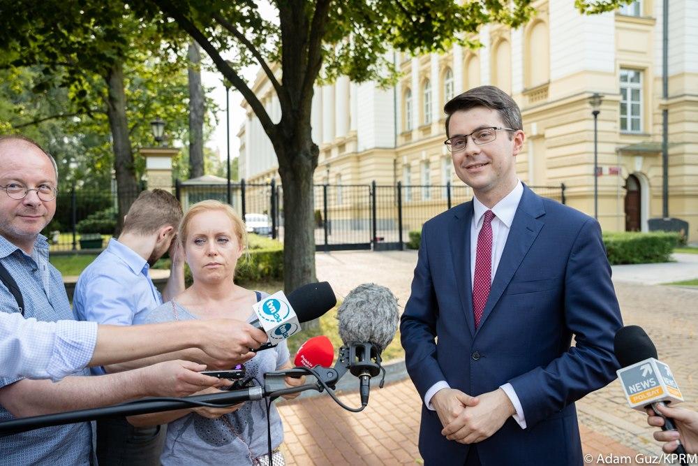 Państwa Grupy Wyszehradzkiej będą wzajemnie wspierać swoich kandydatów do Komisji Europejskiej - zadeklarował rzecznik rządu Piotr Müller