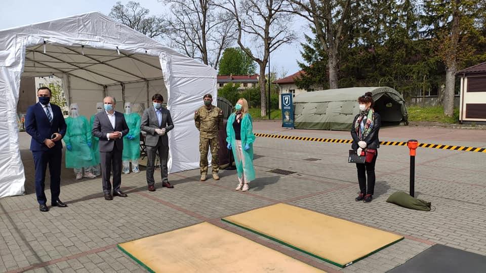 Jest to doskonała inicjatywa wspomagająca walkę z koronawirusem. W tym celu poseł Piotr Müller poprosił wojewodę o współpracę z Akademią Pomorską w Słupsku i jak widać udało się.