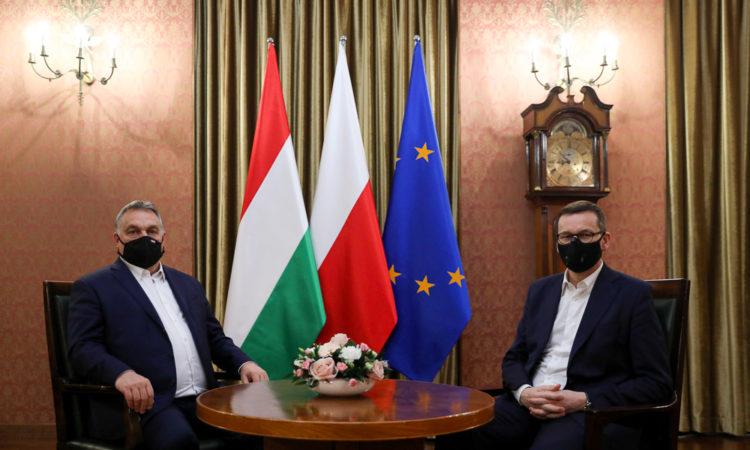 Premier Węgier Viktor Orbán złożył wizytę premierowi Mateuszowi Morawieckiemu w celu omówienia agendy przyszłego posiedzenia Rady Europejskiej. Posiedzenie zaplanowane zostało na połowę grudnia. Podczas spotkania szefów rządów dyskutowano o koordynacji stanowisk w zakresie negocjacji budżetowych, kwestii klimatycznych, o których będzie mowa na najbliższym posiedzeniu oraz koordynacji działań V4.