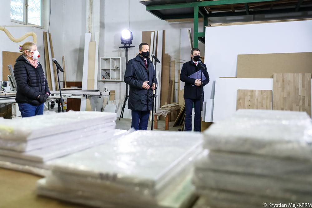 Rząd premiera Mateusza Morawieckiego przygotował kolejny pakiet działań, który będzie wsparciem dla firm i pracowników chroniąc społeczeństwo przed bezrobociem