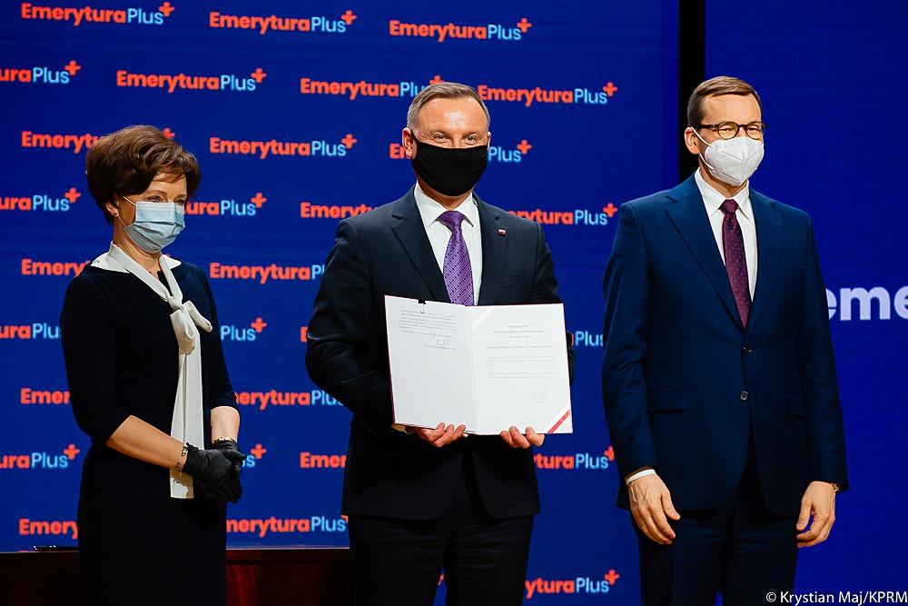 Prezydent Andrzej Duda podpisał roczne dodatkowe świadczenie pieniężne dla emerytów i rencistów.
