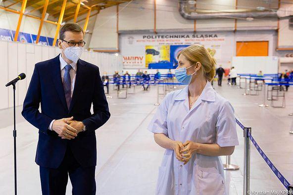 Premier Mateusz Morawiecki odwiedził nowo powstały punkt szczepień na terenie Lodowiska Tafla w Ośrodku Sportu Politechniki Śląskiej