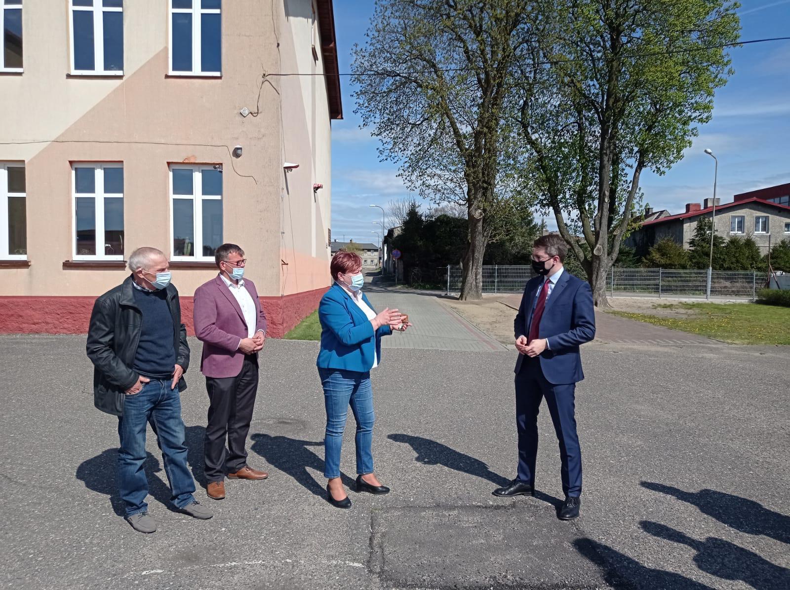 Odwiedziłem m.in.: Gminę Główczyce. Spotkałem się tam m.in. z wójt gminy, przewodniczącym rady gminy i radnym gminy.
