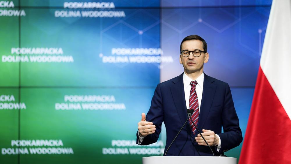 - Przed nami dekada zmian, która niewątpliwie ma szansę wzmocnić nasze państwo. Musimy we właściwy sposób przeprowadzić transformację klimatyczną i energetyczną, która niesie dodatkowe szanse - mówił szef rządu Mateusz Morawiecki.