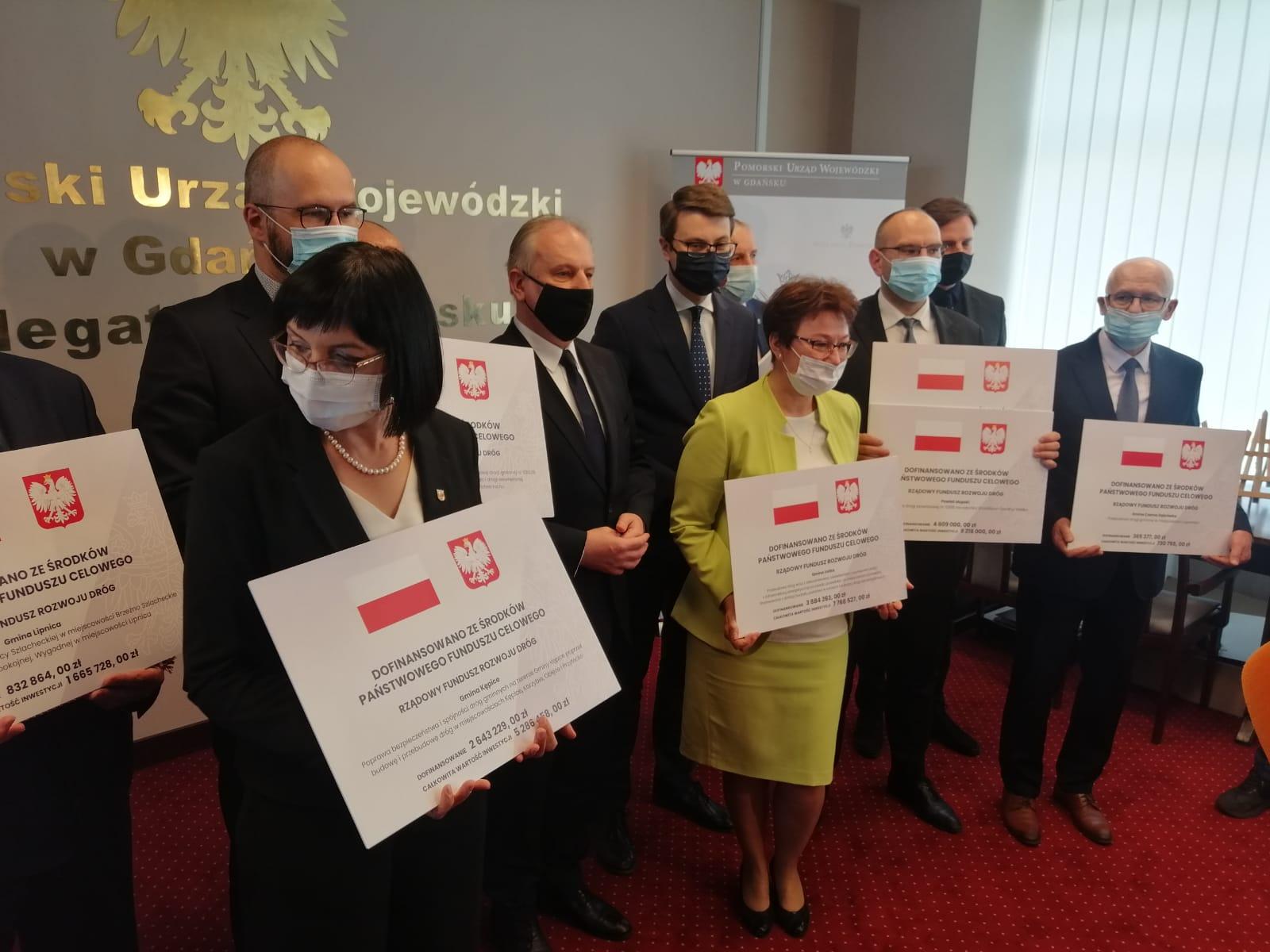 Dzisiaj w Pomorskim Urzędzie Wojewódzkim delegatura w Słupsku podpisano umowy na dofinansowanie remontów dróg dla regionu słupskiego i bytowskiego z Rządowego Funduszu Rozwoju Dróg ! Sprawdź listę dróg w regionie słupskim i bytowskim, które zostaną kompleksowo wyremontowane!